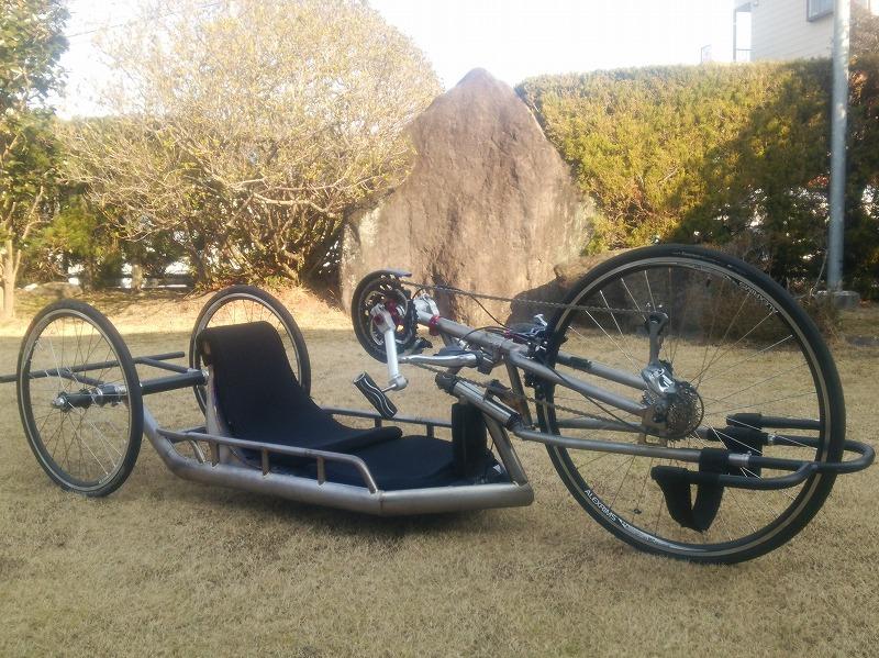 マルチマテリアル ハンドバイク