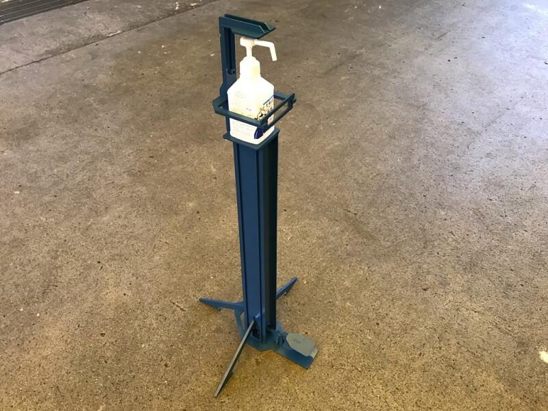 レーザー加工構造品 足ふみ式消毒液スタンド
